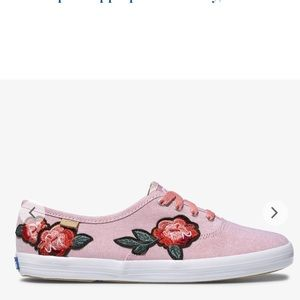 Floral embroidered keds